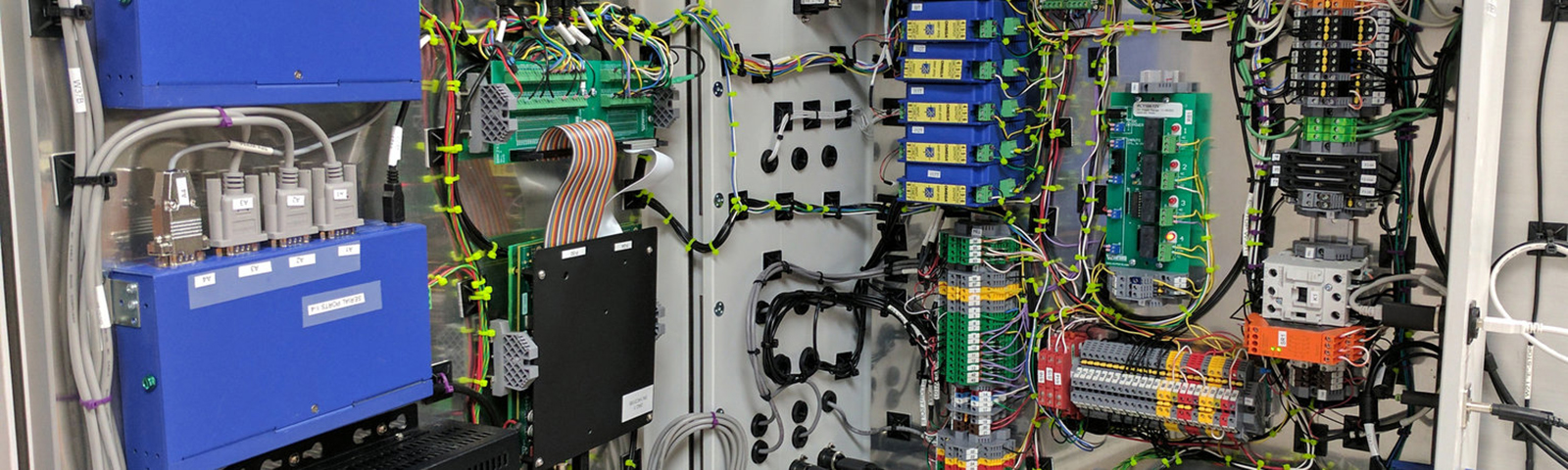 The control box for Dimien's automated pilot scale manufacturing system. <span class='image-credits'>Brian Schultz</span>