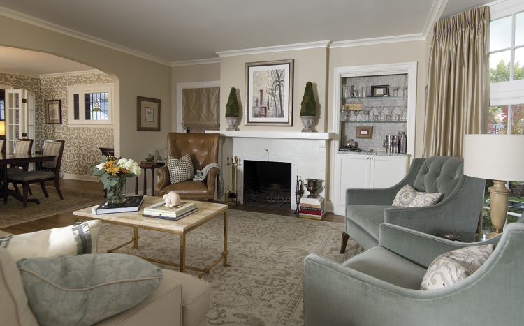 Living room by HGB Design Group