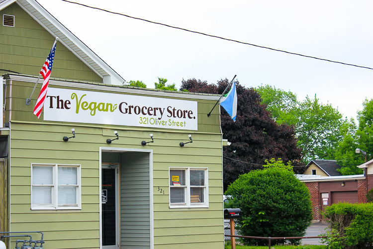 The Vegan Grocery Store makes vegan grocery products easily available to consumers.