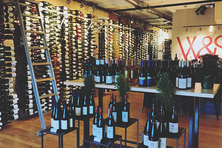 Winkler & Samuels offers more than 940 hand-picked wines from around the globe.